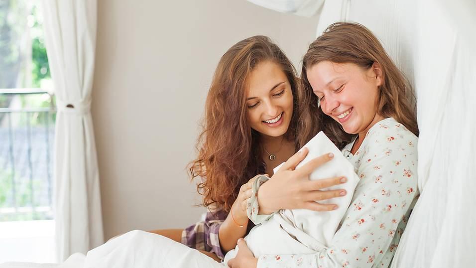 10 Nguyên Tắc Đi Thăm Bà Đẻ Sau Sinh Ai Cũng Cần Biết