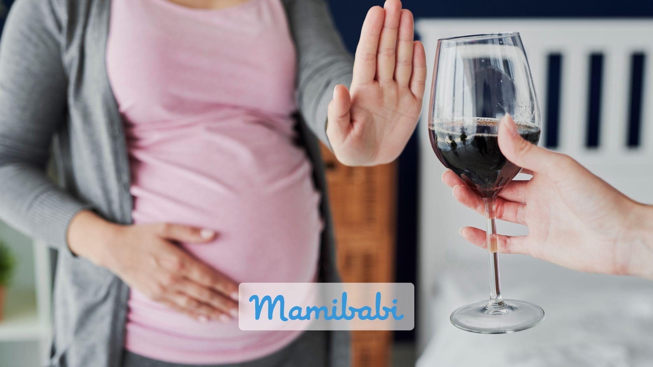 bà bầu cần kiêng rượu, bia, thuốc lá hoặc các loại nước uống có cồn, caffeine