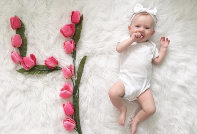 TOP 16 trò chơi cho bé 4 tháng khỏe thể chất, sáng tinh thần