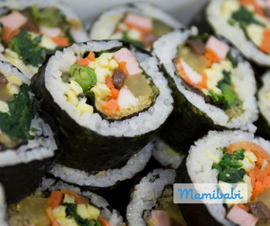 Cơm cuộn rau củ rong biển