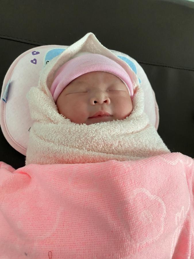 Con mình đã chào đời 4kg giới tính Nữ, cảm ơn App Mamibabi đã giúp mình thai giáo thành công.  Con ra đời kêu tên là biết baba rồi ❤️