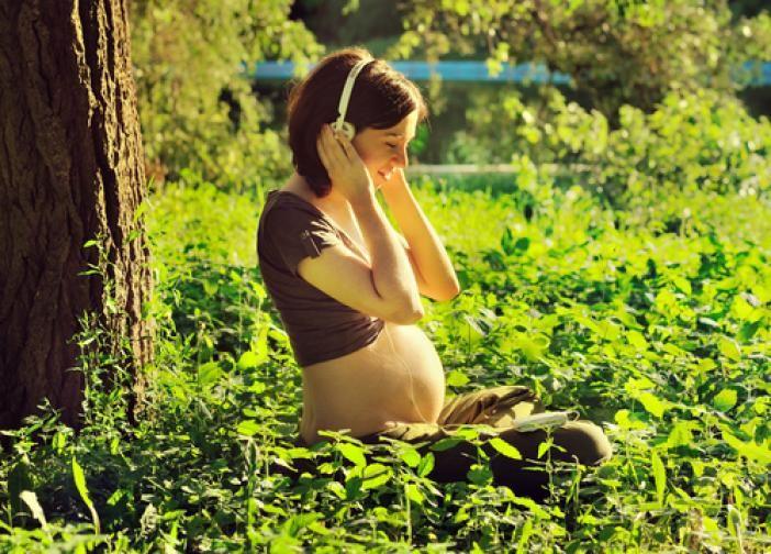 NHẠC THAI GIÁO 3 THÁNG ĐẦU: CÁCH NGHE AN TOÀN VÀ HIỆU QUẢ NHẤT   Trong bài viết dưới đây Mamibabi sẽ chia sẻ những thông tin về nhạc thai giáo 3 tháng đầu được nhiều mẹ quan tâm nhất:   - Nhạc thai giáo là gì - Nghe nhạc thai giáo 3 tháng đầu ở đâu?  - Album nhạc thai giáo 3 tháng đầu nổi bật - Nhạc thai giáo 3 tháng đầu có tác dụng gì? - Thời điểm tốt nhất cho thai nhi nghe nhạc thai giáo 3 tháng đầu là khi nào? - Cách cho thai nhi nghe nhạc bằng điện thoại - Những bài hát kích thích trí não thai nhi - Cho thai nhi nghe nhạc gì để thông minh? - 25 phút nghe nhạc thai giáo mỗi ngày giúp bé phát triển tốt nhất có đúng không?  - 4 hiểu lầm về nhạc thai giáo cho 3 tháng đầu   Chi tiết bài viết mẹ có thể xem tại >>> https://mamibabi.com.vn/news/1375/cach-nghe-nhac-thai-giao-3-thang-dau-an-toan-va-hieu-qua-nhat  #nhạc_thai_giáo_3_tháng_đầu #nhacthaigiao3thangdau  #thaigiao #thai_giáo #thaigiáo #mangthai #babau